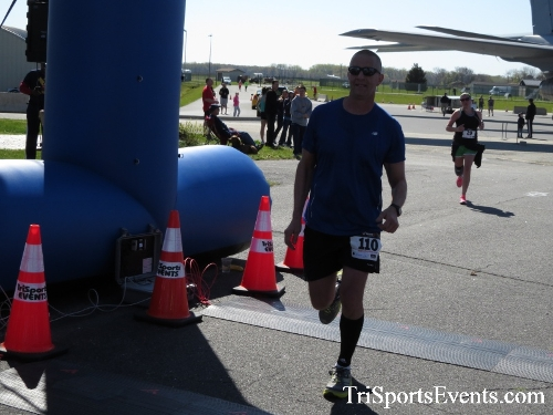 Dover Air Force Base Heritage Half Marathon & 5K<br><br><br><br><a href='http://www.trisportsevents.com/pics/16_DAFB_Half_&_5K_271.JPG' download='16_DAFB_Half_&_5K_271.JPG'>Click here to download.</a><Br><a href='http://www.facebook.com/sharer.php?u=http:%2F%2Fwww.trisportsevents.com%2Fpics%2F16_DAFB_Half_&_5K_271.JPG&t=Dover Air Force Base Heritage Half Marathon & 5K' target='_blank'><img src='images/fb_share.png' width='100'></a>