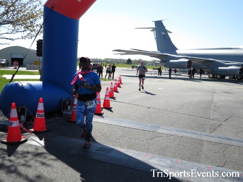 Dover Air Force Base Heritage Half Marathon & 5K<br><br><br><br><a href='http://www.trisportsevents.com/pics/16_DAFB_Half_&_5K_276.JPG' download='16_DAFB_Half_&_5K_276.JPG'>Click here to download.</a><Br><a href='http://www.facebook.com/sharer.php?u=http:%2F%2Fwww.trisportsevents.com%2Fpics%2F16_DAFB_Half_&_5K_276.JPG&t=Dover Air Force Base Heritage Half Marathon & 5K' target='_blank'><img src='images/fb_share.png' width='100'></a>