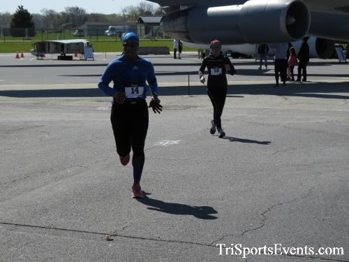 Dover Air Force Base Heritage Half Marathon & 5K<br><br><br><br><a href='http://www.trisportsevents.com/pics/16_DAFB_Half_&_5K_281.JPG' download='16_DAFB_Half_&_5K_281.JPG'>Click here to download.</a><Br><a href='http://www.facebook.com/sharer.php?u=http:%2F%2Fwww.trisportsevents.com%2Fpics%2F16_DAFB_Half_&_5K_281.JPG&t=Dover Air Force Base Heritage Half Marathon & 5K' target='_blank'><img src='images/fb_share.png' width='100'></a>