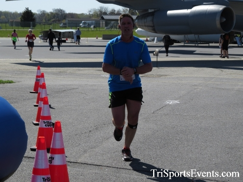 Dover Air Force Base Heritage Half Marathon & 5K<br><br><br><br><a href='http://www.trisportsevents.com/pics/16_DAFB_Half_&_5K_288.JPG' download='16_DAFB_Half_&_5K_288.JPG'>Click here to download.</a><Br><a href='http://www.facebook.com/sharer.php?u=http:%2F%2Fwww.trisportsevents.com%2Fpics%2F16_DAFB_Half_&_5K_288.JPG&t=Dover Air Force Base Heritage Half Marathon & 5K' target='_blank'><img src='images/fb_share.png' width='100'></a>
