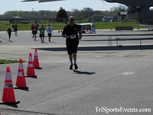 Dover Air Force Base Heritage Half Marathon & 5K<br><br><br><br><a href='http://www.trisportsevents.com/pics/16_DAFB_Half_&_5K_301.JPG' download='16_DAFB_Half_&_5K_301.JPG'>Click here to download.</a><Br><a href='http://www.facebook.com/sharer.php?u=http:%2F%2Fwww.trisportsevents.com%2Fpics%2F16_DAFB_Half_&_5K_301.JPG&t=Dover Air Force Base Heritage Half Marathon & 5K' target='_blank'><img src='images/fb_share.png' width='100'></a>