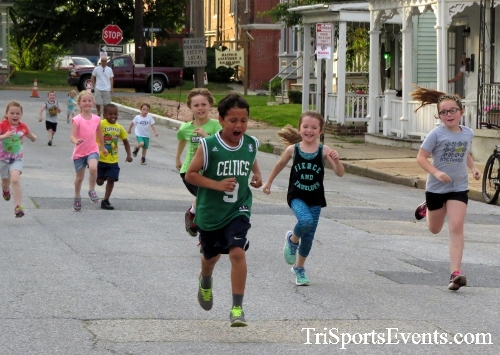 Firefly 5K Run/Walk<br><br><br><br><a href='https://www.trisportsevents.com/pics/16_Firefly_5K_015.JPG' download='16_Firefly_5K_015.JPG'>Click here to download.</a><Br><a href='http://www.facebook.com/sharer.php?u=http:%2F%2Fwww.trisportsevents.com%2Fpics%2F16_Firefly_5K_015.JPG&t=Firefly 5K Run/Walk' target='_blank'><img src='images/fb_share.png' width='100'></a>