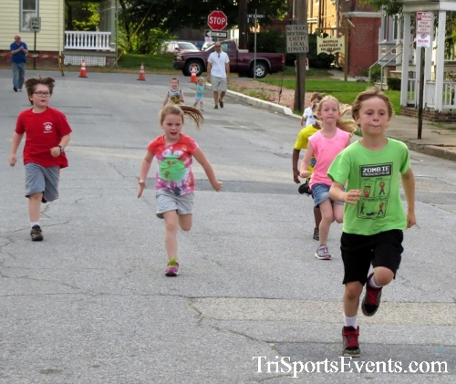 Firefly 5K Run/Walk<br><br><br><br><a href='https://www.trisportsevents.com/pics/16_Firefly_5K_016.JPG' download='16_Firefly_5K_016.JPG'>Click here to download.</a><Br><a href='http://www.facebook.com/sharer.php?u=http:%2F%2Fwww.trisportsevents.com%2Fpics%2F16_Firefly_5K_016.JPG&t=Firefly 5K Run/Walk' target='_blank'><img src='images/fb_share.png' width='100'></a>