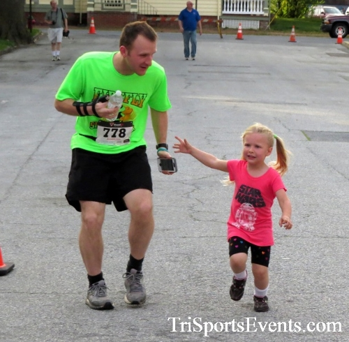 Firefly 5K Run/Walk<br><br><br><br><a href='https://www.trisportsevents.com/pics/16_Firefly_5K_018.JPG' download='16_Firefly_5K_018.JPG'>Click here to download.</a><Br><a href='http://www.facebook.com/sharer.php?u=http:%2F%2Fwww.trisportsevents.com%2Fpics%2F16_Firefly_5K_018.JPG&t=Firefly 5K Run/Walk' target='_blank'><img src='images/fb_share.png' width='100'></a>