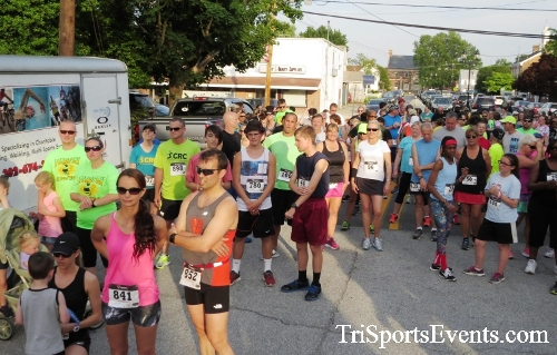 Firefly 5K Run/Walk<br><br><br><br><a href='http://www.trisportsevents.com/pics/16_Firefly_5K_029.JPG' download='16_Firefly_5K_029.JPG'>Click here to download.</a><Br><a href='http://www.facebook.com/sharer.php?u=http:%2F%2Fwww.trisportsevents.com%2Fpics%2F16_Firefly_5K_029.JPG&t=Firefly 5K Run/Walk' target='_blank'><img src='images/fb_share.png' width='100'></a>
