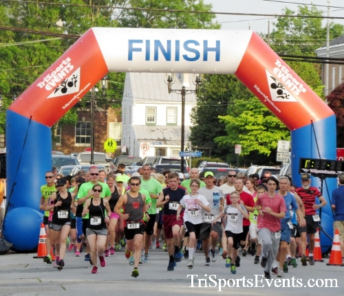 Firefly 5K Run/Walk<br><br><br><br><a href='https://www.trisportsevents.com/pics/16_Firefly_5K_030.JPG' download='16_Firefly_5K_030.JPG'>Click here to download.</a><Br><a href='http://www.facebook.com/sharer.php?u=http:%2F%2Fwww.trisportsevents.com%2Fpics%2F16_Firefly_5K_030.JPG&t=Firefly 5K Run/Walk' target='_blank'><img src='images/fb_share.png' width='100'></a>