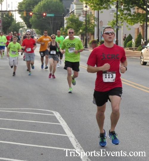 Firefly 5K Run/Walk<br><br><br><br><a href='http://www.trisportsevents.com/pics/16_Firefly_5K_038.JPG' download='16_Firefly_5K_038.JPG'>Click here to download.</a><Br><a href='http://www.facebook.com/sharer.php?u=http:%2F%2Fwww.trisportsevents.com%2Fpics%2F16_Firefly_5K_038.JPG&t=Firefly 5K Run/Walk' target='_blank'><img src='images/fb_share.png' width='100'></a>