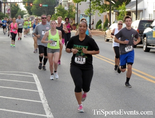 Firefly 5K Run/Walk<br><br><br><br><a href='http://www.trisportsevents.com/pics/16_Firefly_5K_048.JPG' download='16_Firefly_5K_048.JPG'>Click here to download.</a><Br><a href='http://www.facebook.com/sharer.php?u=http:%2F%2Fwww.trisportsevents.com%2Fpics%2F16_Firefly_5K_048.JPG&t=Firefly 5K Run/Walk' target='_blank'><img src='images/fb_share.png' width='100'></a>