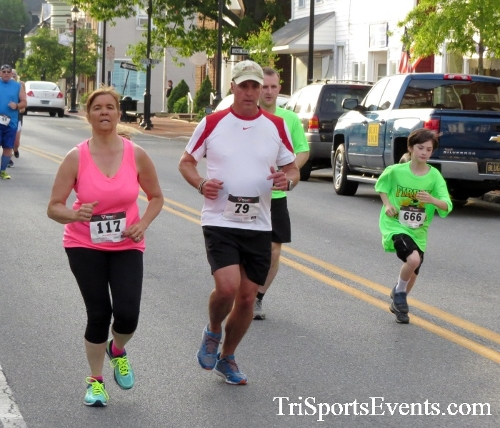 Firefly 5K Run/Walk<br><br><br><br><a href='https://www.trisportsevents.com/pics/16_Firefly_5K_051.JPG' download='16_Firefly_5K_051.JPG'>Click here to download.</a><Br><a href='http://www.facebook.com/sharer.php?u=http:%2F%2Fwww.trisportsevents.com%2Fpics%2F16_Firefly_5K_051.JPG&t=Firefly 5K Run/Walk' target='_blank'><img src='images/fb_share.png' width='100'></a>