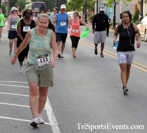 Firefly 5K Run/Walk<br><br><br><br><a href='http://www.trisportsevents.com/pics/16_Firefly_5K_069.JPG' download='16_Firefly_5K_069.JPG'>Click here to download.</a><Br><a href='http://www.facebook.com/sharer.php?u=http:%2F%2Fwww.trisportsevents.com%2Fpics%2F16_Firefly_5K_069.JPG&t=Firefly 5K Run/Walk' target='_blank'><img src='images/fb_share.png' width='100'></a>