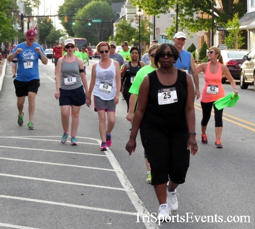 Firefly 5K Run/Walk<br><br><br><br><a href='https://www.trisportsevents.com/pics/16_Firefly_5K_071.JPG' download='16_Firefly_5K_071.JPG'>Click here to download.</a><Br><a href='http://www.facebook.com/sharer.php?u=http:%2F%2Fwww.trisportsevents.com%2Fpics%2F16_Firefly_5K_071.JPG&t=Firefly 5K Run/Walk' target='_blank'><img src='images/fb_share.png' width='100'></a>
