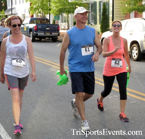 Firefly 5K Run/Walk<br><br><br><br><a href='https://www.trisportsevents.com/pics/16_Firefly_5K_073.JPG' download='16_Firefly_5K_073.JPG'>Click here to download.</a><Br><a href='http://www.facebook.com/sharer.php?u=http:%2F%2Fwww.trisportsevents.com%2Fpics%2F16_Firefly_5K_073.JPG&t=Firefly 5K Run/Walk' target='_blank'><img src='images/fb_share.png' width='100'></a>