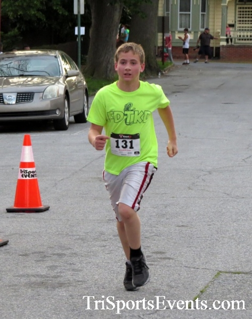 Firefly 5K Run/Walk<br><br><br><br><a href='http://www.trisportsevents.com/pics/16_Firefly_5K_110.JPG' download='16_Firefly_5K_110.JPG'>Click here to download.</a><Br><a href='http://www.facebook.com/sharer.php?u=http:%2F%2Fwww.trisportsevents.com%2Fpics%2F16_Firefly_5K_110.JPG&t=Firefly 5K Run/Walk' target='_blank'><img src='images/fb_share.png' width='100'></a>