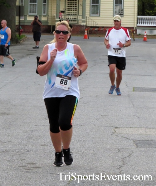 Firefly 5K Run/Walk<br><br><br><br><a href='http://www.trisportsevents.com/pics/16_Firefly_5K_129.JPG' download='16_Firefly_5K_129.JPG'>Click here to download.</a><Br><a href='http://www.facebook.com/sharer.php?u=http:%2F%2Fwww.trisportsevents.com%2Fpics%2F16_Firefly_5K_129.JPG&t=Firefly 5K Run/Walk' target='_blank'><img src='images/fb_share.png' width='100'></a>