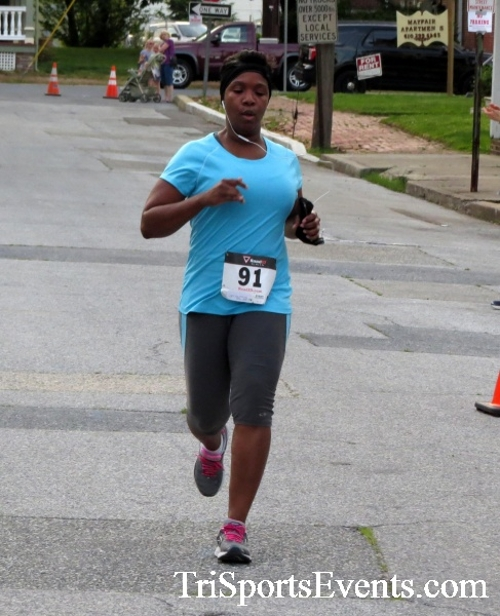 Firefly 5K Run/Walk<br><br><br><br><a href='http://www.trisportsevents.com/pics/16_Firefly_5K_143.JPG' download='16_Firefly_5K_143.JPG'>Click here to download.</a><Br><a href='http://www.facebook.com/sharer.php?u=http:%2F%2Fwww.trisportsevents.com%2Fpics%2F16_Firefly_5K_143.JPG&t=Firefly 5K Run/Walk' target='_blank'><img src='images/fb_share.png' width='100'></a>