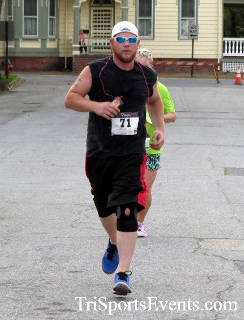 Firefly 5K Run/Walk<br><br><br><br><a href='http://www.trisportsevents.com/pics/16_Firefly_5K_147.JPG' download='16_Firefly_5K_147.JPG'>Click here to download.</a><Br><a href='http://www.facebook.com/sharer.php?u=http:%2F%2Fwww.trisportsevents.com%2Fpics%2F16_Firefly_5K_147.JPG&t=Firefly 5K Run/Walk' target='_blank'><img src='images/fb_share.png' width='100'></a>