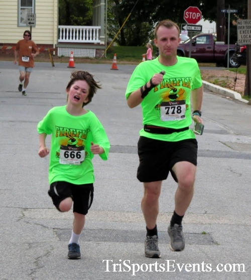 Firefly 5K Run/Walk<br><br><br><br><a href='https://www.trisportsevents.com/pics/16_Firefly_5K_149.JPG' download='16_Firefly_5K_149.JPG'>Click here to download.</a><Br><a href='http://www.facebook.com/sharer.php?u=http:%2F%2Fwww.trisportsevents.com%2Fpics%2F16_Firefly_5K_149.JPG&t=Firefly 5K Run/Walk' target='_blank'><img src='images/fb_share.png' width='100'></a>
