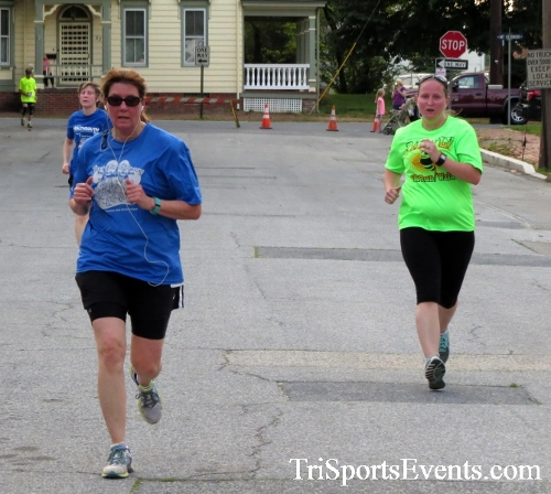 Firefly 5K Run/Walk<br><br><br><br><a href='https://www.trisportsevents.com/pics/16_Firefly_5K_156.JPG' download='16_Firefly_5K_156.JPG'>Click here to download.</a><Br><a href='http://www.facebook.com/sharer.php?u=http:%2F%2Fwww.trisportsevents.com%2Fpics%2F16_Firefly_5K_156.JPG&t=Firefly 5K Run/Walk' target='_blank'><img src='images/fb_share.png' width='100'></a>
