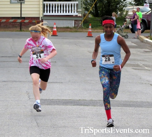 Firefly 5K Run/Walk<br><br><br><br><a href='http://www.trisportsevents.com/pics/16_Firefly_5K_164.JPG' download='16_Firefly_5K_164.JPG'>Click here to download.</a><Br><a href='http://www.facebook.com/sharer.php?u=http:%2F%2Fwww.trisportsevents.com%2Fpics%2F16_Firefly_5K_164.JPG&t=Firefly 5K Run/Walk' target='_blank'><img src='images/fb_share.png' width='100'></a>