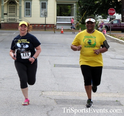 Firefly 5K Run/Walk<br><br><br><br><a href='https://www.trisportsevents.com/pics/16_Firefly_5K_169.JPG' download='16_Firefly_5K_169.JPG'>Click here to download.</a><Br><a href='http://www.facebook.com/sharer.php?u=http:%2F%2Fwww.trisportsevents.com%2Fpics%2F16_Firefly_5K_169.JPG&t=Firefly 5K Run/Walk' target='_blank'><img src='images/fb_share.png' width='100'></a>