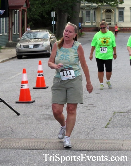 Firefly 5K Run/Walk<br><br><br><br><a href='https://www.trisportsevents.com/pics/16_Firefly_5K_191.JPG' download='16_Firefly_5K_191.JPG'>Click here to download.</a><Br><a href='http://www.facebook.com/sharer.php?u=http:%2F%2Fwww.trisportsevents.com%2Fpics%2F16_Firefly_5K_191.JPG&t=Firefly 5K Run/Walk' target='_blank'><img src='images/fb_share.png' width='100'></a>
