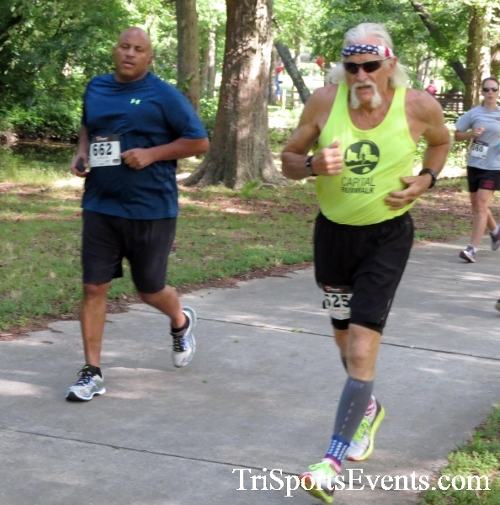 Freedom 5K Run/Walk & Roll<br><br><br><br><a href='http://www.trisportsevents.com/pics/16_Freedom_5K_079.JPG' download='16_Freedom_5K_079.JPG'>Click here to download.</a><Br><a href='http://www.facebook.com/sharer.php?u=http:%2F%2Fwww.trisportsevents.com%2Fpics%2F16_Freedom_5K_079.JPG&t=Freedom 5K Run/Walk & Roll' target='_blank'><img src='images/fb_share.png' width='100'></a>