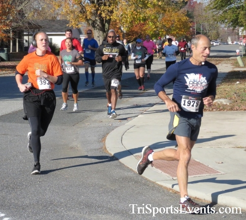 Gobble Wobble 5K Run/Walk<br><br><br><br><a href='http://www.trisportsevents.com/pics/16_Gobble_Wobble_5K_078.JPG' download='16_Gobble_Wobble_5K_078.JPG'>Click here to download.</a><Br><a href='http://www.facebook.com/sharer.php?u=http:%2F%2Fwww.trisportsevents.com%2Fpics%2F16_Gobble_Wobble_5K_078.JPG&t=Gobble Wobble 5K Run/Walk' target='_blank'><img src='images/fb_share.png' width='100'></a>