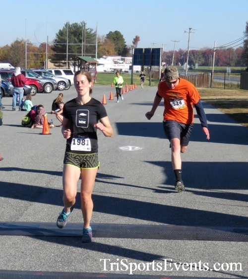 Gobble Wobble 5K Run/Walk<br><br><br><br><a href='http://www.trisportsevents.com/pics/16_Gobble_Wobble_5K_193.JPG' download='16_Gobble_Wobble_5K_193.JPG'>Click here to download.</a><Br><a href='http://www.facebook.com/sharer.php?u=http:%2F%2Fwww.trisportsevents.com%2Fpics%2F16_Gobble_Wobble_5K_193.JPG&t=Gobble Wobble 5K Run/Walk' target='_blank'><img src='images/fb_share.png' width='100'></a>