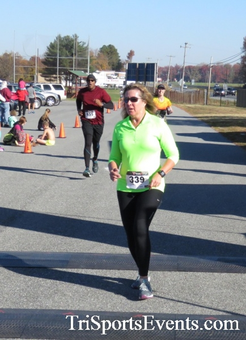 Gobble Wobble 5K Run/Walk<br><br><br><br><a href='http://www.trisportsevents.com/pics/16_Gobble_Wobble_5K_224.JPG' download='16_Gobble_Wobble_5K_224.JPG'>Click here to download.</a><Br><a href='http://www.facebook.com/sharer.php?u=http:%2F%2Fwww.trisportsevents.com%2Fpics%2F16_Gobble_Wobble_5K_224.JPG&t=Gobble Wobble 5K Run/Walk' target='_blank'><img src='images/fb_share.png' width='100'></a>