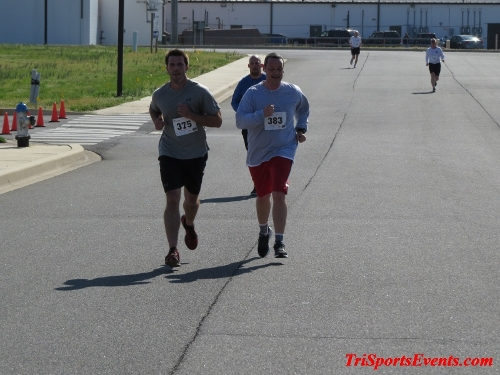 Heart & Sole 5K Run/Walk<br><br><br><br><a href='http://www.trisportsevents.com/pics/16_Heart_&_Sole_5k_143.JPG' download='16_Heart_&_Sole_5k_143.JPG'>Click here to download.</a><Br><a href='http://www.facebook.com/sharer.php?u=http:%2F%2Fwww.trisportsevents.com%2Fpics%2F16_Heart_&_Sole_5k_143.JPG&t=Heart & Sole 5K Run/Walk' target='_blank'><img src='images/fb_share.png' width='100'></a>