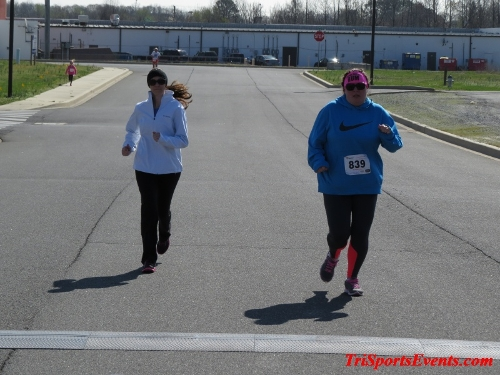 Heart & Sole 5K Run/Walk<br><br><br><br><a href='http://www.trisportsevents.com/pics/16_Heart_&_Sole_5k_187.JPG' download='16_Heart_&_Sole_5k_187.JPG'>Click here to download.</a><Br><a href='http://www.facebook.com/sharer.php?u=http:%2F%2Fwww.trisportsevents.com%2Fpics%2F16_Heart_&_Sole_5k_187.JPG&t=Heart & Sole 5K Run/Walk' target='_blank'><img src='images/fb_share.png' width='100'></a>