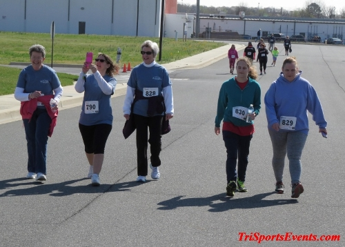 Heart & Sole 5K Run/Walk<br><br><br><br><a href='https://www.trisportsevents.com/pics/16_Heart_&_Sole_5k_215.JPG' download='16_Heart_&_Sole_5k_215.JPG'>Click here to download.</a><Br><a href='http://www.facebook.com/sharer.php?u=http:%2F%2Fwww.trisportsevents.com%2Fpics%2F16_Heart_&_Sole_5k_215.JPG&t=Heart & Sole 5K Run/Walk' target='_blank'><img src='images/fb_share.png' width='100'></a>