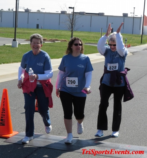 Heart & Sole 5K Run/Walk<br><br><br><br><a href='https://www.trisportsevents.com/pics/16_Heart_&_Sole_5k_216.JPG' download='16_Heart_&_Sole_5k_216.JPG'>Click here to download.</a><Br><a href='http://www.facebook.com/sharer.php?u=http:%2F%2Fwww.trisportsevents.com%2Fpics%2F16_Heart_&_Sole_5k_216.JPG&t=Heart & Sole 5K Run/Walk' target='_blank'><img src='images/fb_share.png' width='100'></a>