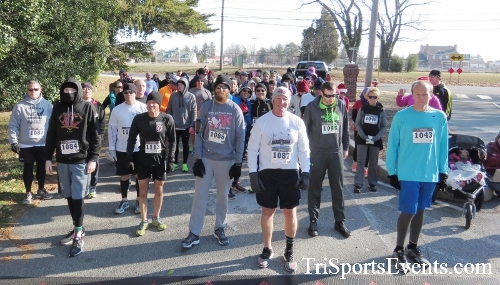 Share the Holiday Spirit 5K Run/Walk<br><br><br><br><a href='http://www.trisportsevents.com/pics/16_Holiday_Spirit_5K_007.JPG' download='16_Holiday_Spirit_5K_007.JPG'>Click here to download.</a><Br><a href='http://www.facebook.com/sharer.php?u=http:%2F%2Fwww.trisportsevents.com%2Fpics%2F16_Holiday_Spirit_5K_007.JPG&t=Share the Holiday Spirit 5K Run/Walk' target='_blank'><img src='images/fb_share.png' width='100'></a>