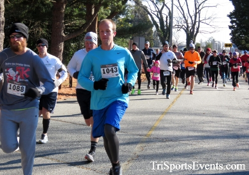 Share the Holiday Spirit 5K Run/Walk<br><br><br><br><a href='http://www.trisportsevents.com/pics/16_Holiday_Spirit_5K_009.JPG' download='16_Holiday_Spirit_5K_009.JPG'>Click here to download.</a><Br><a href='http://www.facebook.com/sharer.php?u=http:%2F%2Fwww.trisportsevents.com%2Fpics%2F16_Holiday_Spirit_5K_009.JPG&t=Share the Holiday Spirit 5K Run/Walk' target='_blank'><img src='images/fb_share.png' width='100'></a>