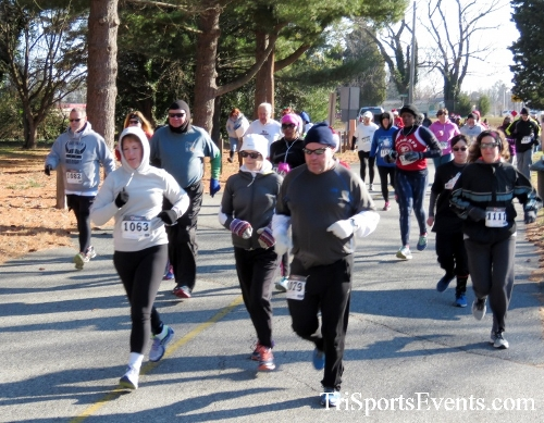Share the Holiday Spirit 5K Run/Walk<br><br><br><br><a href='http://www.trisportsevents.com/pics/16_Holiday_Spirit_5K_014.JPG' download='16_Holiday_Spirit_5K_014.JPG'>Click here to download.</a><Br><a href='http://www.facebook.com/sharer.php?u=http:%2F%2Fwww.trisportsevents.com%2Fpics%2F16_Holiday_Spirit_5K_014.JPG&t=Share the Holiday Spirit 5K Run/Walk' target='_blank'><img src='images/fb_share.png' width='100'></a>