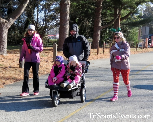 Share the Holiday Spirit 5K Run/Walk<br><br><br><br><a href='http://www.trisportsevents.com/pics/16_Holiday_Spirit_5K_021.JPG' download='16_Holiday_Spirit_5K_021.JPG'>Click here to download.</a><Br><a href='http://www.facebook.com/sharer.php?u=http:%2F%2Fwww.trisportsevents.com%2Fpics%2F16_Holiday_Spirit_5K_021.JPG&t=Share the Holiday Spirit 5K Run/Walk' target='_blank'><img src='images/fb_share.png' width='100'></a>
