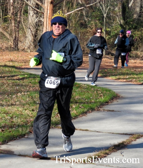 Share the Holiday Spirit 5K Run/Walk<br><br><br><br><a href='http://www.trisportsevents.com/pics/16_Holiday_Spirit_5K_047.JPG' download='16_Holiday_Spirit_5K_047.JPG'>Click here to download.</a><Br><a href='http://www.facebook.com/sharer.php?u=http:%2F%2Fwww.trisportsevents.com%2Fpics%2F16_Holiday_Spirit_5K_047.JPG&t=Share the Holiday Spirit 5K Run/Walk' target='_blank'><img src='images/fb_share.png' width='100'></a>