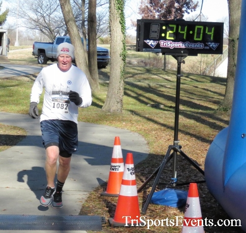 Share the Holiday Spirit 5K Run/Walk<br><br><br><br><a href='http://www.trisportsevents.com/pics/16_Holiday_Spirit_5K_128.JPG' download='16_Holiday_Spirit_5K_128.JPG'>Click here to download.</a><Br><a href='http://www.facebook.com/sharer.php?u=http:%2F%2Fwww.trisportsevents.com%2Fpics%2F16_Holiday_Spirit_5K_128.JPG&t=Share the Holiday Spirit 5K Run/Walk' target='_blank'><img src='images/fb_share.png' width='100'></a>
