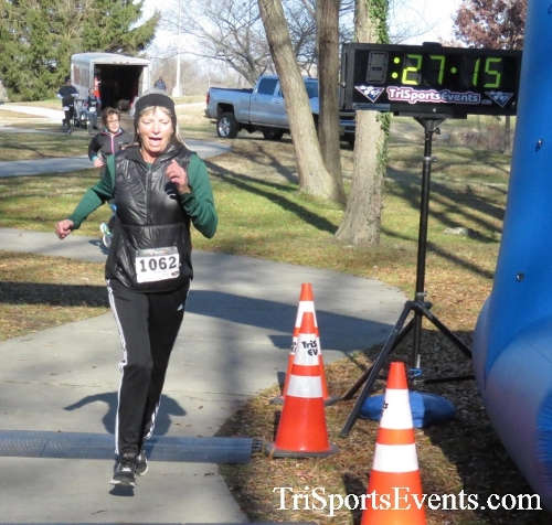 Share the Holiday Spirit 5K Run/Walk<br><br><br><br><a href='http://www.trisportsevents.com/pics/16_Holiday_Spirit_5K_147.JPG' download='16_Holiday_Spirit_5K_147.JPG'>Click here to download.</a><Br><a href='http://www.facebook.com/sharer.php?u=http:%2F%2Fwww.trisportsevents.com%2Fpics%2F16_Holiday_Spirit_5K_147.JPG&t=Share the Holiday Spirit 5K Run/Walk' target='_blank'><img src='images/fb_share.png' width='100'></a>