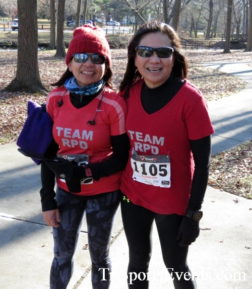 Share the Holiday Spirit 5K Run/Walk<br><br><br><br><a href='http://www.trisportsevents.com/pics/16_Holiday_Spirit_5K_154.JPG' download='16_Holiday_Spirit_5K_154.JPG'>Click here to download.</a><Br><a href='http://www.facebook.com/sharer.php?u=http:%2F%2Fwww.trisportsevents.com%2Fpics%2F16_Holiday_Spirit_5K_154.JPG&t=Share the Holiday Spirit 5K Run/Walk' target='_blank'><img src='images/fb_share.png' width='100'></a>