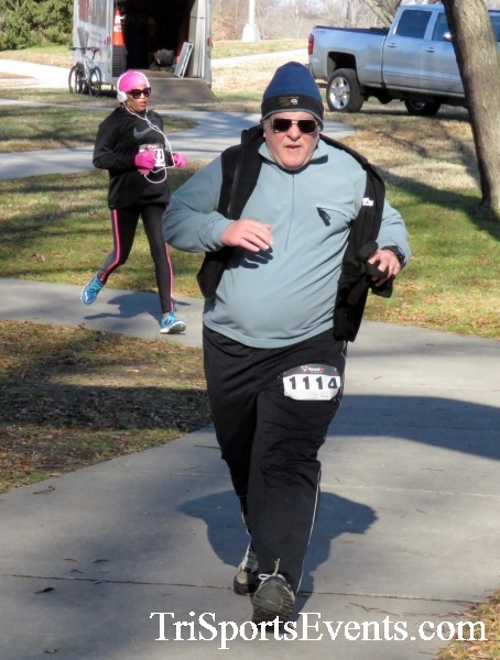 Share the Holiday Spirit 5K Run/Walk<br><br><br><br><a href='http://www.trisportsevents.com/pics/16_Holiday_Spirit_5K_175.JPG' download='16_Holiday_Spirit_5K_175.JPG'>Click here to download.</a><Br><a href='http://www.facebook.com/sharer.php?u=http:%2F%2Fwww.trisportsevents.com%2Fpics%2F16_Holiday_Spirit_5K_175.JPG&t=Share the Holiday Spirit 5K Run/Walk' target='_blank'><img src='images/fb_share.png' width='100'></a>