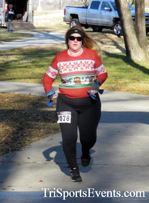 Share the Holiday Spirit 5K Run/Walk<br><br><br><br><a href='http://www.trisportsevents.com/pics/16_Holiday_Spirit_5K_184.JPG' download='16_Holiday_Spirit_5K_184.JPG'>Click here to download.</a><Br><a href='http://www.facebook.com/sharer.php?u=http:%2F%2Fwww.trisportsevents.com%2Fpics%2F16_Holiday_Spirit_5K_184.JPG&t=Share the Holiday Spirit 5K Run/Walk' target='_blank'><img src='images/fb_share.png' width='100'></a>