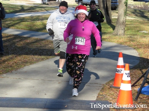 Share the Holiday Spirit 5K Run/Walk<br><br><br><br><a href='http://www.trisportsevents.com/pics/16_Holiday_Spirit_5K_209.JPG' download='16_Holiday_Spirit_5K_209.JPG'>Click here to download.</a><Br><a href='http://www.facebook.com/sharer.php?u=http:%2F%2Fwww.trisportsevents.com%2Fpics%2F16_Holiday_Spirit_5K_209.JPG&t=Share the Holiday Spirit 5K Run/Walk' target='_blank'><img src='images/fb_share.png' width='100'></a>