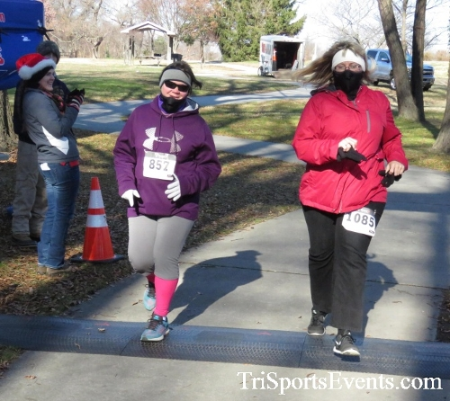 Share the Holiday Spirit 5K Run/Walk<br><br><br><br><a href='http://www.trisportsevents.com/pics/16_Holiday_Spirit_5K_215.JPG' download='16_Holiday_Spirit_5K_215.JPG'>Click here to download.</a><Br><a href='http://www.facebook.com/sharer.php?u=http:%2F%2Fwww.trisportsevents.com%2Fpics%2F16_Holiday_Spirit_5K_215.JPG&t=Share the Holiday Spirit 5K Run/Walk' target='_blank'><img src='images/fb_share.png' width='100'></a>