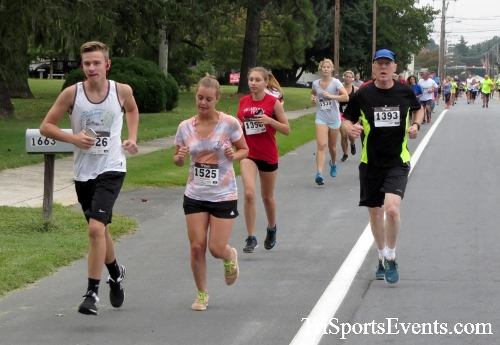 Center of the Universe 5K Run/Walk<br><br><br><br><a href='http://www.trisportsevents.com/pics/16_Magnolia_5K_016.JPG' download='16_Magnolia_5K_016.JPG'>Click here to download.</a><Br><a href='http://www.facebook.com/sharer.php?u=http:%2F%2Fwww.trisportsevents.com%2Fpics%2F16_Magnolia_5K_016.JPG&t=Center of the Universe 5K Run/Walk' target='_blank'><img src='images/fb_share.png' width='100'></a>