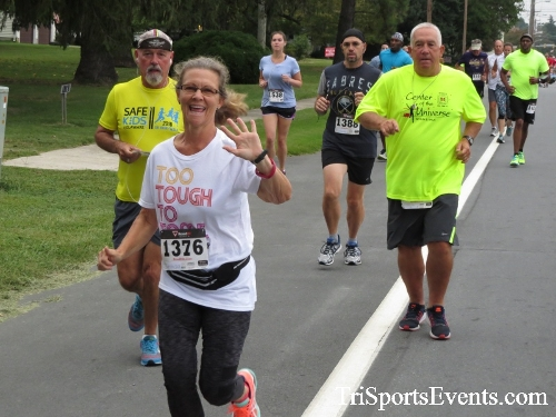 Center of the Universe 5K Run/Walk<br><br><br><br><a href='http://www.trisportsevents.com/pics/16_Magnolia_5K_026.JPG' download='16_Magnolia_5K_026.JPG'>Click here to download.</a><Br><a href='http://www.facebook.com/sharer.php?u=http:%2F%2Fwww.trisportsevents.com%2Fpics%2F16_Magnolia_5K_026.JPG&t=Center of the Universe 5K Run/Walk' target='_blank'><img src='images/fb_share.png' width='100'></a>