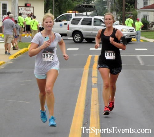 Center of the Universe 5K Run/Walk<br><br><br><br><a href='https://www.trisportsevents.com/pics/16_Magnolia_5K_079.JPG' download='16_Magnolia_5K_079.JPG'>Click here to download.</a><Br><a href='http://www.facebook.com/sharer.php?u=http:%2F%2Fwww.trisportsevents.com%2Fpics%2F16_Magnolia_5K_079.JPG&t=Center of the Universe 5K Run/Walk' target='_blank'><img src='images/fb_share.png' width='100'></a>