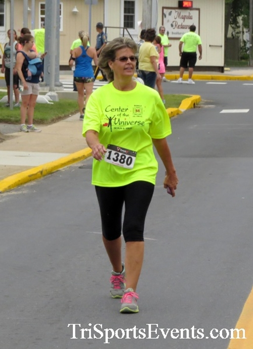 Center of the Universe 5K Run/Walk<br><br><br><br><a href='http://www.trisportsevents.com/pics/16_Magnolia_5K_135.JPG' download='16_Magnolia_5K_135.JPG'>Click here to download.</a><Br><a href='http://www.facebook.com/sharer.php?u=http:%2F%2Fwww.trisportsevents.com%2Fpics%2F16_Magnolia_5K_135.JPG&t=Center of the Universe 5K Run/Walk' target='_blank'><img src='images/fb_share.png' width='100'></a>