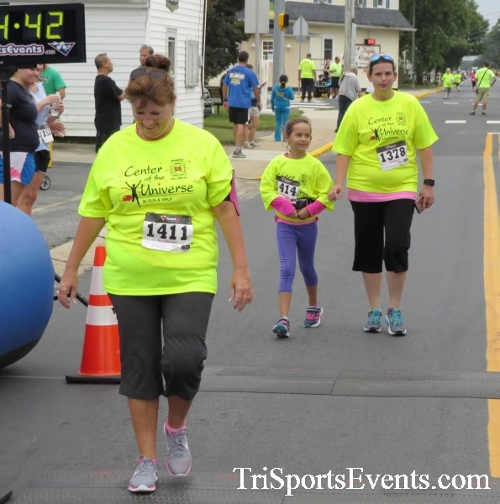 Center of the Universe 5K Run/Walk<br><br><br><br><a href='https://www.trisportsevents.com/pics/16_Magnolia_5K_147.JPG' download='16_Magnolia_5K_147.JPG'>Click here to download.</a><Br><a href='http://www.facebook.com/sharer.php?u=http:%2F%2Fwww.trisportsevents.com%2Fpics%2F16_Magnolia_5K_147.JPG&t=Center of the Universe 5K Run/Walk' target='_blank'><img src='images/fb_share.png' width='100'></a>